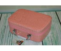 Дорожній швейний набір у валізці Deny кремовий
